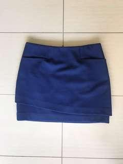 Royal navy SABA mini skirt | has pockets! | structured fabric | size 6