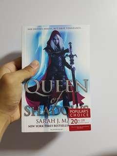 🚚 Queen of Shadows — Sarah J. MAAS