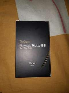 Jual masih baru : Purbasari Flawless Matte BB Two Way Cake (shade : Natural)