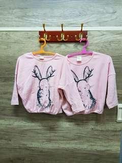 🚚 雙胞胎二手衣 90cm 粉色兔子 長袖上衣