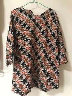 🚚 Plus size batik top