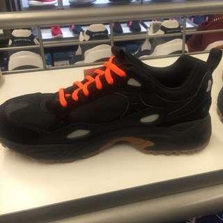 🚚 Skechers 男版厚底運動鞋、止滑、記憶鞋墊