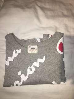 Cropped Champion Shirt