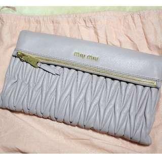 🚚 MIU MIU Clutch with sling