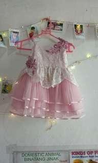 Dress pesta ngembang