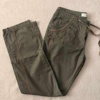 🚚 Ebase girls Size S 160/24 olive green pants