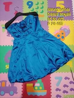 Gaun pesta mini dress kemben biru