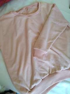 🚚 Pink sweater