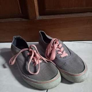 Airwalk sneakers authentic