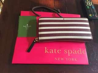 Kate Spade Wallet (Complete with care card & paperbag)