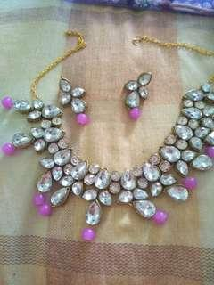 🚚 Necklace with earrings