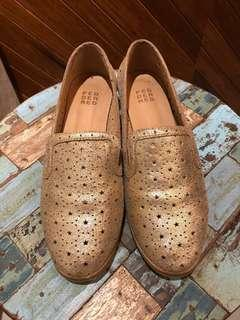 🚚 Ladies Gold Leather Loafers from Pedder Red