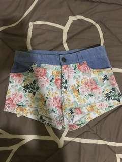 surfer girl floral short pants