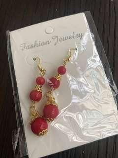 🚚 BN red and gold earrings fashion Jewellery access