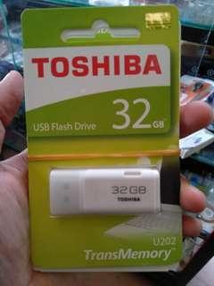 Original FD Flashdisk 32GB Toshiba