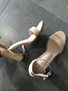 Mid heel