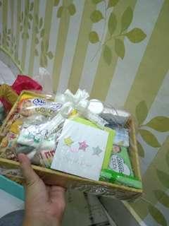 Parcel hadiah bayi lengkap dan murah