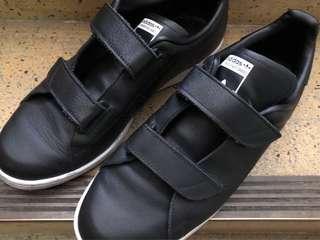 🚚 Adidas 男 us9.5 27.5cm 二手 鞋730+運費60=$790