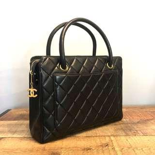 Authentic Chanel Lambskin Chic Kelly Bag w 24k Gold Hardware