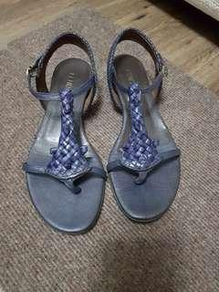 Fendi Navy Blue leather sandals size 36.5