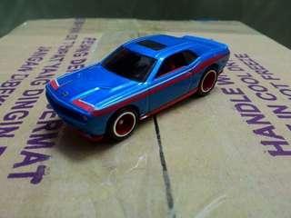 Hot Wheels 2008 Dodge Challenger srt8 (Hot Wheels Garage)