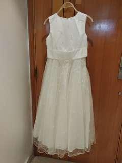 全新英國品牌白色花女裙/ 公主裙•Brand New White England Brand Girl Dress