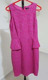 🚚 Pink Peplum Top