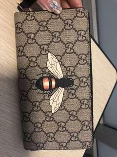 gucci wallet bee