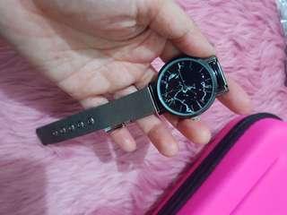Womens fashion quartz watch