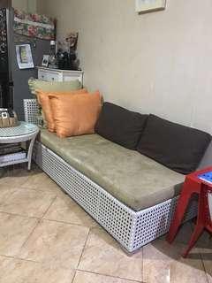 Sofabed dan meja