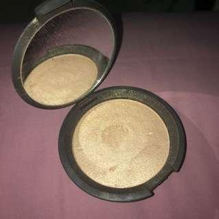 BECCA shimmering skin perfector pressed shade opal (highlighter)