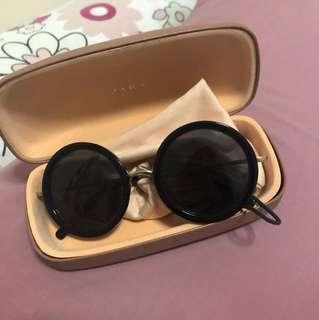 Kaca mata hitam Zara sunglasses