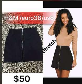 Zip front H&M mini skirts