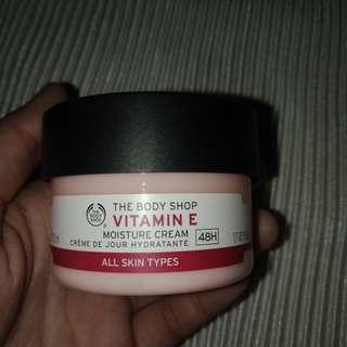 The Body Shop Vitamin E Moisture Cream (All Skin Types)