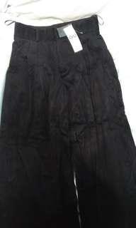 🚚 GU黑色燈芯絨寬褲