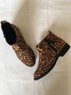 Forever 21 leopard print flat ankle boots - Size 6