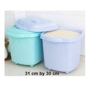 Plastic Kitchen Rice Box Bucket / Storage Barrel with Wheels and Lid (2 colors)