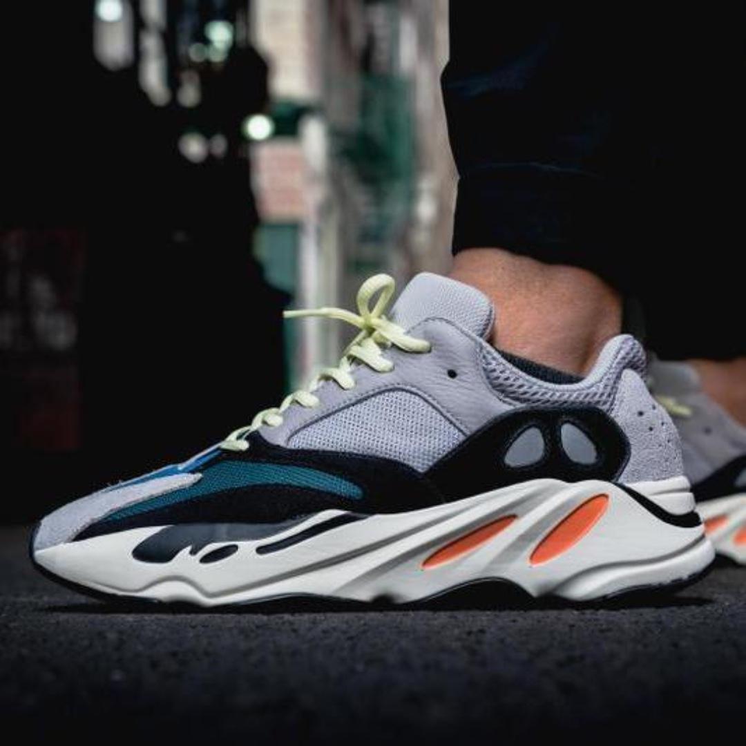 98186e714 Adidas Originals Yeezy 700 Wave Runner OG