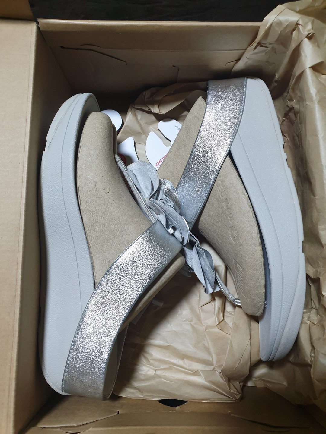 cf26bcc82128 Authentic Fitflop Florrie Toe-Post US6 Silver