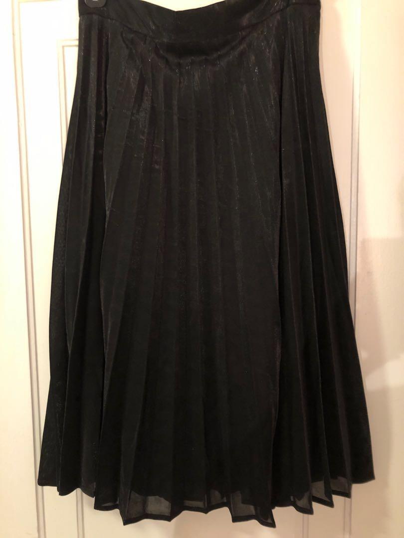 Black pleated midi skirt