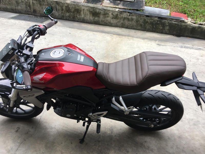 CB150R CB300 split seat mod to one key open , Motorbikes