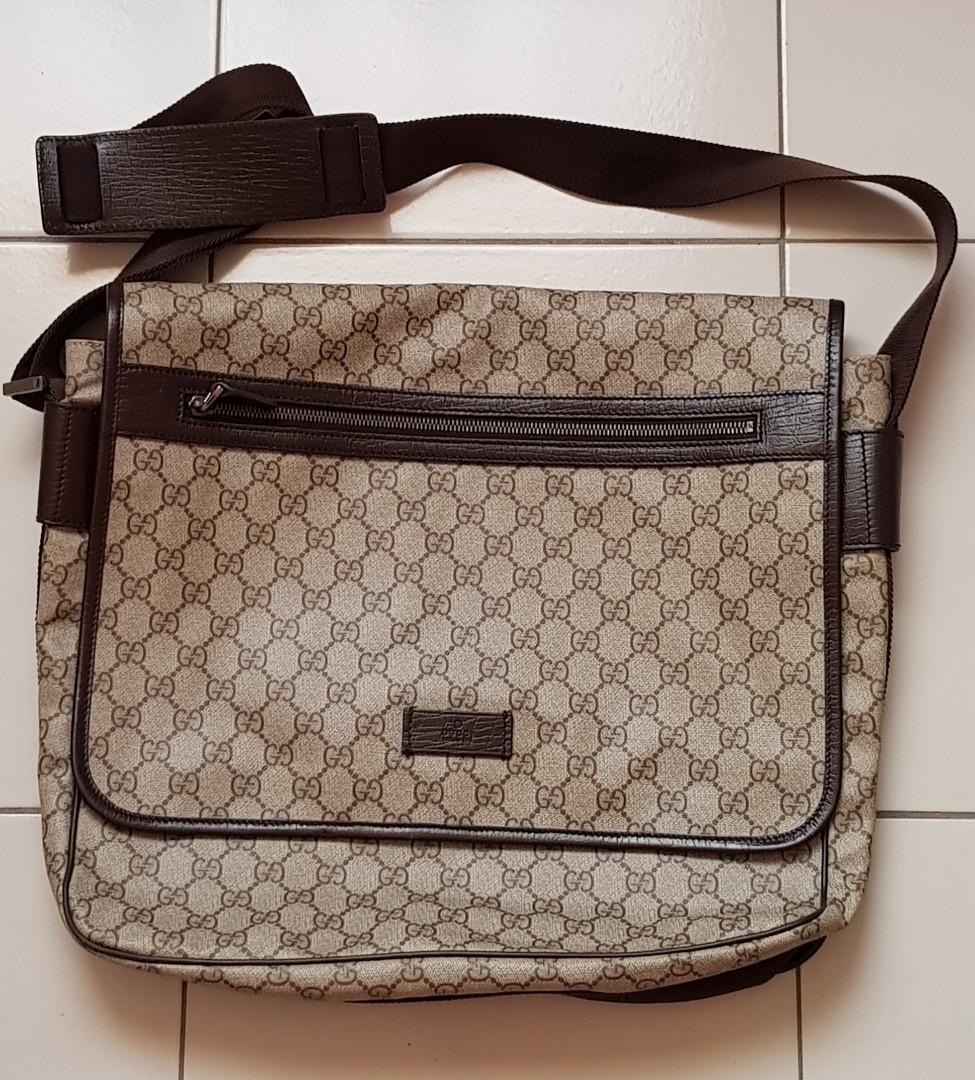 1626b2a1683 Gucci GG Supreme Monogram Large Flap Messenger   Crossbody!