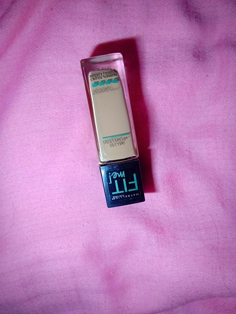 Maybelline Fit Me 122