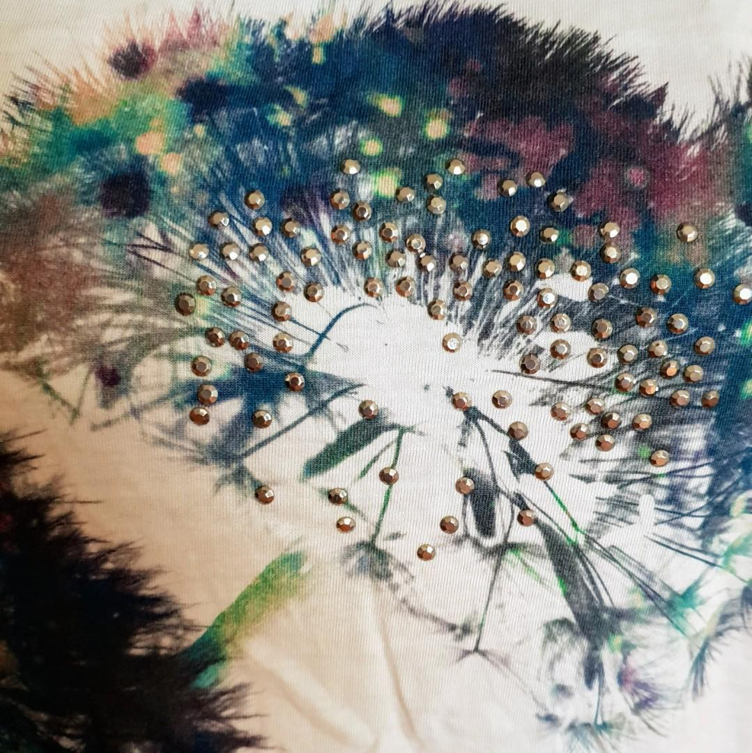 Women's size S 8-10 'JAG' Gorgeous dandelion print top with sequins- AS NEW
