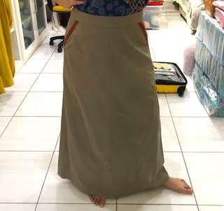 Cream skirt 2