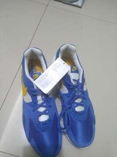 Sepatu NIKE Internasional