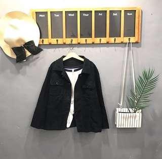 Black front pocket jaket
