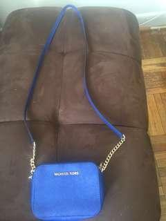 Authentic Michael kors cross body bag (small size)