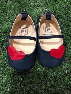 🚚 Baby GAP Prewalker Shoes
