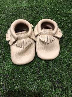 🚚 Freshly Picked Baby Mocassins Size 2